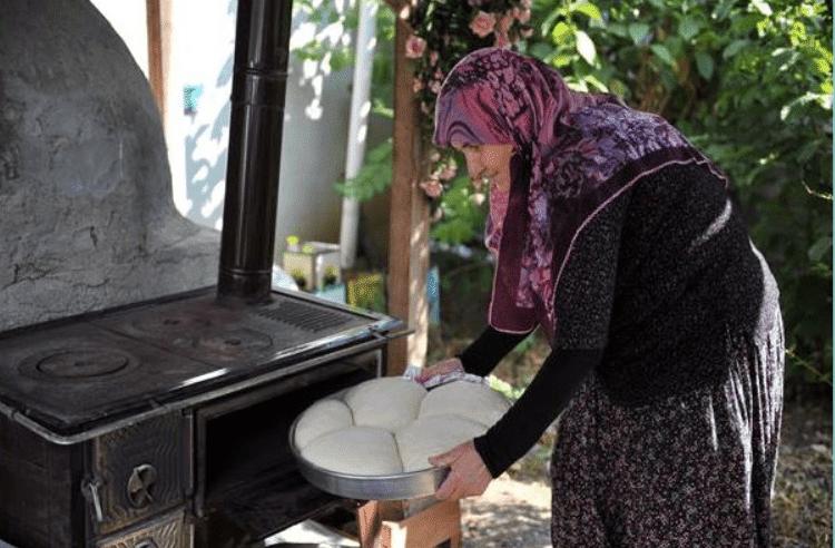 Sevdalinka: Sjetuje me majka i brine se za me…