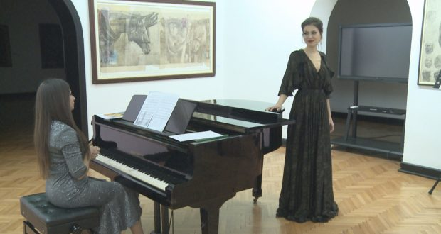 """Tuzlaci uživali u koncertu """"Sevdah i klasika"""" (VIDEO)"""