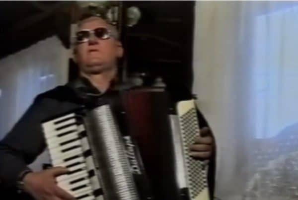 """Sevdalinka """"Kulu gradim"""" u izvedbi Muhameda Hasečića (VIDEO)"""