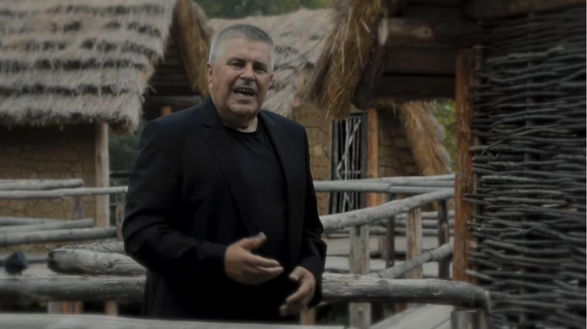 Džihad Polić predstavio video spot za pjesmu Butum Tuzla jednu kozu muzla